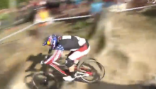 aaron gwin, on fire with no tire, dh with no tire
